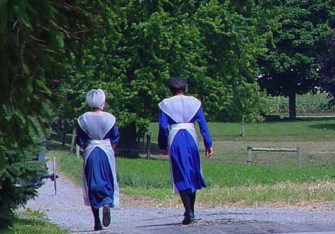amish-women-topless